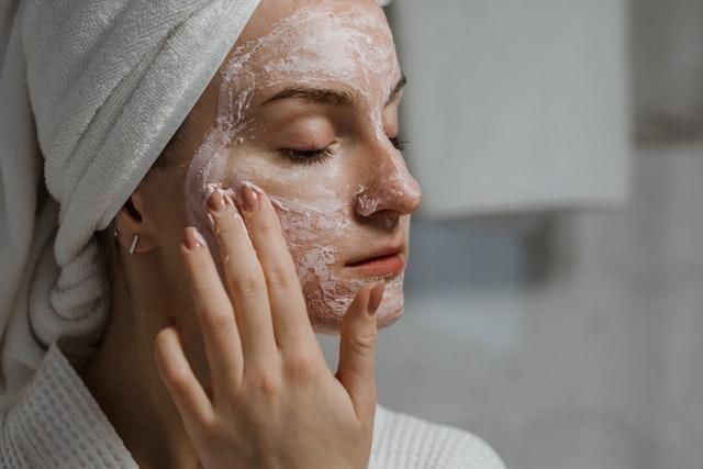 sposoby na oczyszczanie twarzy